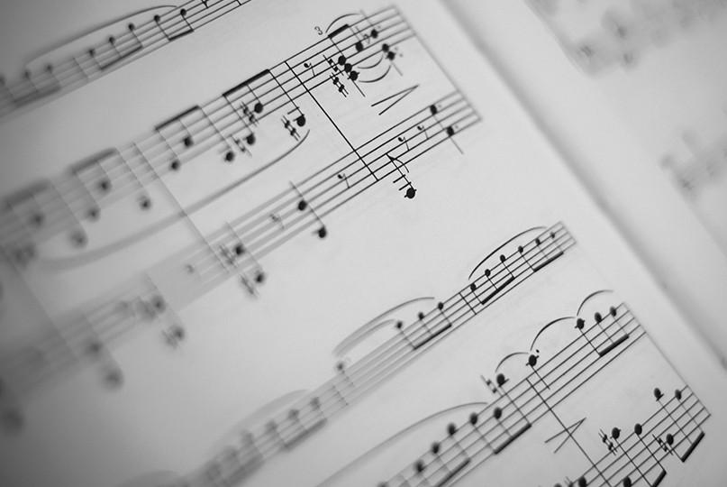 La Música Mejora El Rendimiento En El Trabajo Pero Cómo