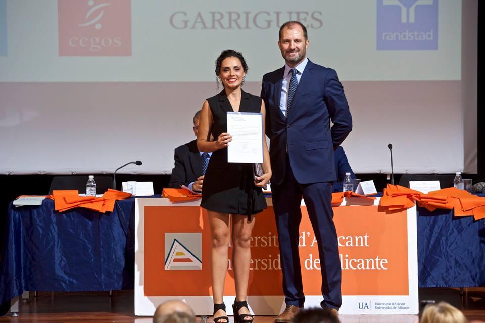 clausura 2018 master direccion y gestion de empresas recursos humanos y programa superior de gestion universidad de alicante premio rrhh 3
