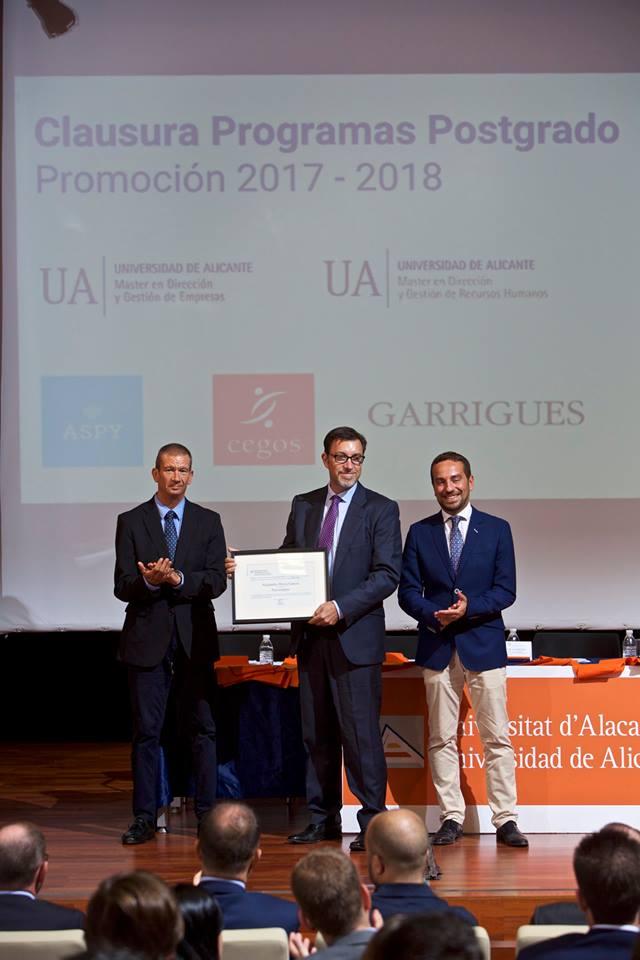 clausura 2018 master direccion y gestion de empresas recursos humanos y programa superior de gestion universidad de alicante premio empresa universidad